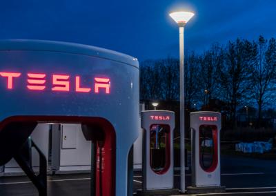 LYKTEN Tesla case